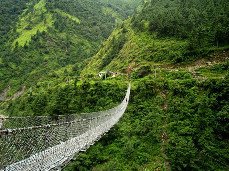 Suspension bridge in the Annapurnas trek