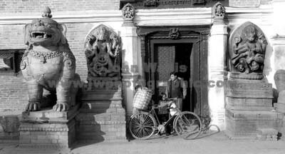bike-door-sh