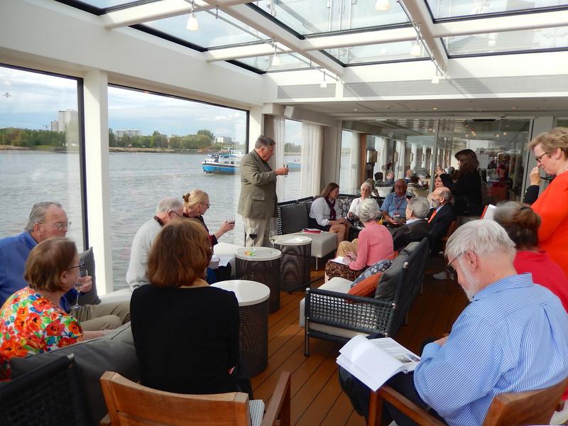 Antwerp: President's Reception: Group talking