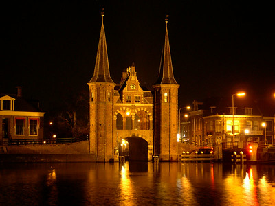 One last view of the Sneek Waterpoort at night
