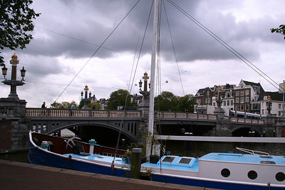 Another view of the Blauw Brug.
