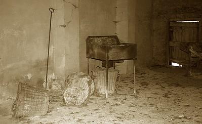 Baskets inside the limekiln.