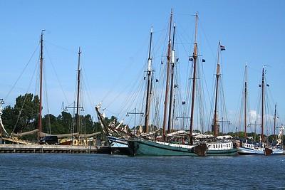 Lots of tall masts ......