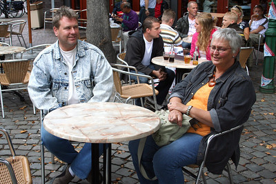 Waiting for lunch in de Rode Steen - walking increases the appetite - Ed & Liesbeth