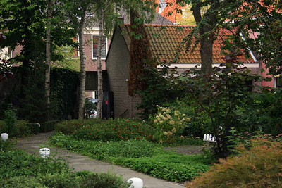Another view of the garden at the rear of the museum.