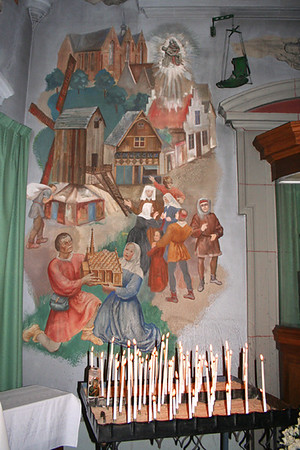 Luckily St Cyriacus en Franciscus church was opened and permission was given to take some photos.  A beautiful mural.