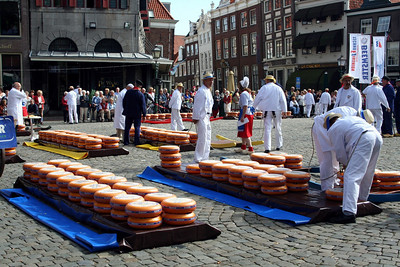 Kaasdragers (cheese carriers).