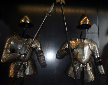 Some dinki di armoury on display at the entrance to Muidenslot.