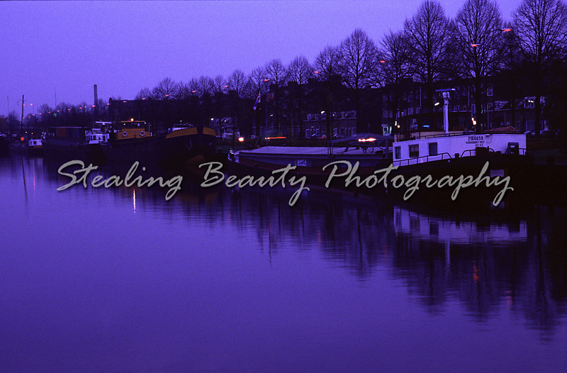 Den Bosch canal at dusk