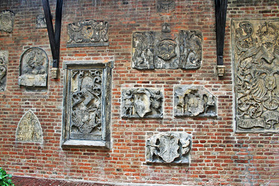 These were preserved in the wall of the courtyard of the old Town Hall