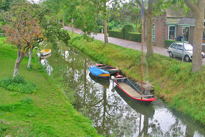 Boats in the canal at Twisk