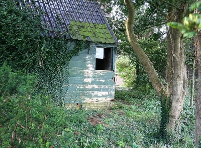 Found this abandoned hut at the back of the church.