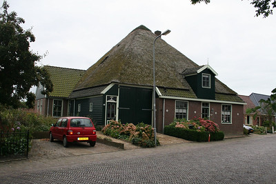 House in main street of Midwoud.