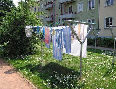 Die Wäsche gehört auf dem Hof