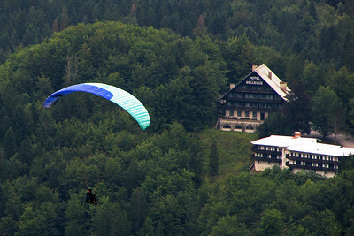 Paragliding over Lake Bohing