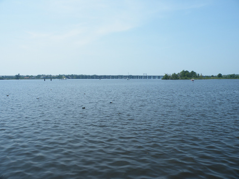 New Bern sits on the banks of the Neuse river and the Trent river. Here we have a view of the Trent river.