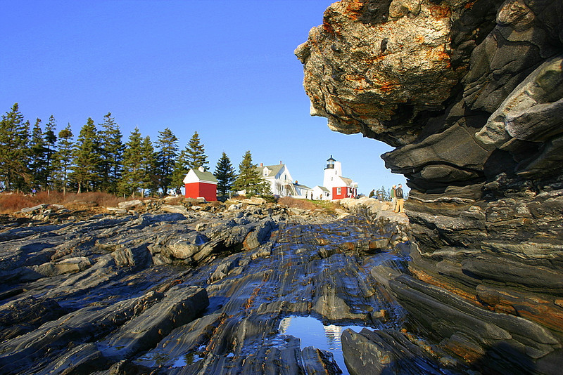 Pemaquid Point Light & rocks