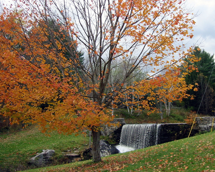 Autumn waterfull