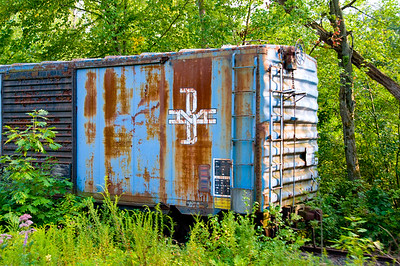 Another usty old boxcar