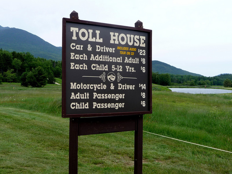 The entrance to the autoroad on Mt. Washington in NH