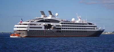 Newport -  Cruise ships