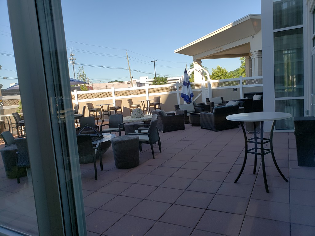 Outdoor seating at Hilton Garden Inn