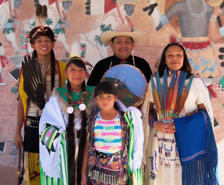 A Pueblo family of performers