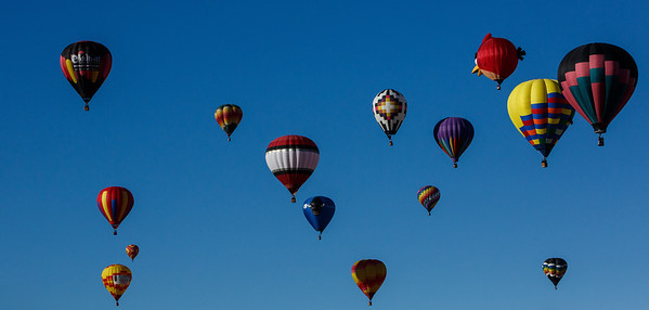 """The beginning of the """"mass ascention"""" of the ballons."""