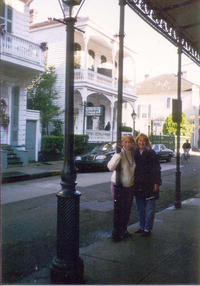 NOLA-Sharon, Lori in French Quarter