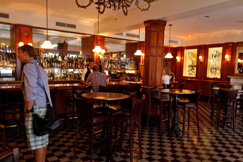 Hermes Bar