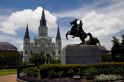 Jackson Square, Andrew Jackson statue, hero of the battle of New Orleans, War of 1812 in front of St. Louis Cathedral