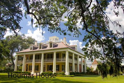 Houmas House Louisiana plantation house...not to be missed if you are in the area.  Chef Jeremy Langlois will thrill with a fabulous meal...hope for Bryan as your waiter and Gaye Lynne as your tour guide...they are the best of the best!!  Owner Kevin Kelly has created a masterpiece.