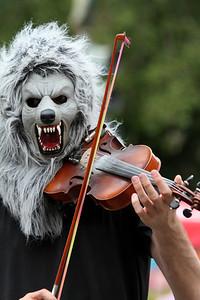 "Violin Monster, aka ""Wolf with Violin"" http://wolfwithviolin.tumblr.com/"