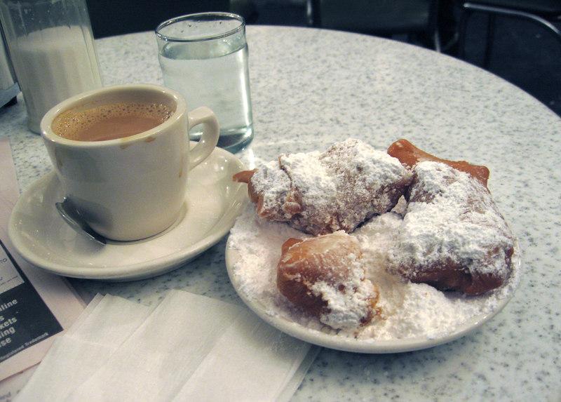 Cafe du Monde, cafe au lait and biegnets