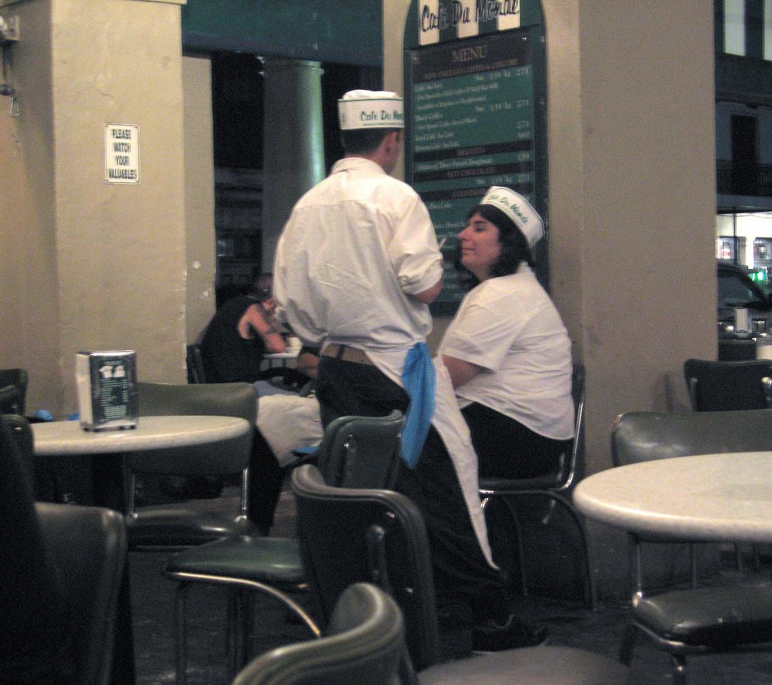 Cafe du Monde staff