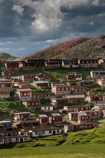 Ani (nunnery) Tashi Gompa Near Tagong