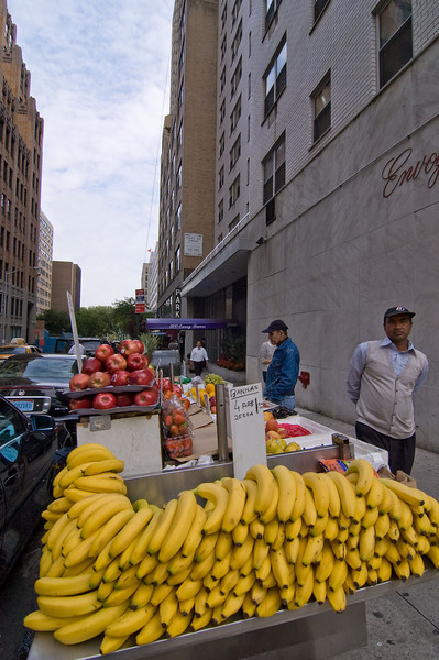 After the UN it was back to the Hotel before heading out to dinner with the family. Street corner fruit stand along the way.