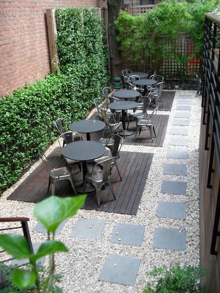 Pod Hotel Courtyard