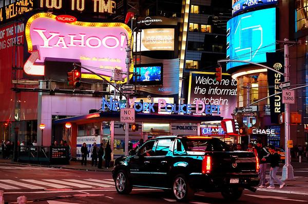 Yahoo!  Times Square, NY