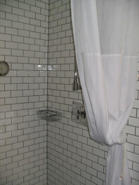 Pod Double Room Private Bath 2