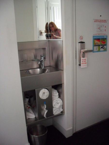 Pod Single Room Sink
