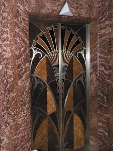Hissdörrarna i byggnaden