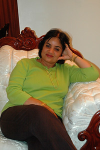 Kiran Bahl at home in Hamilton Sq, NJ, USA.  Aug 2004
