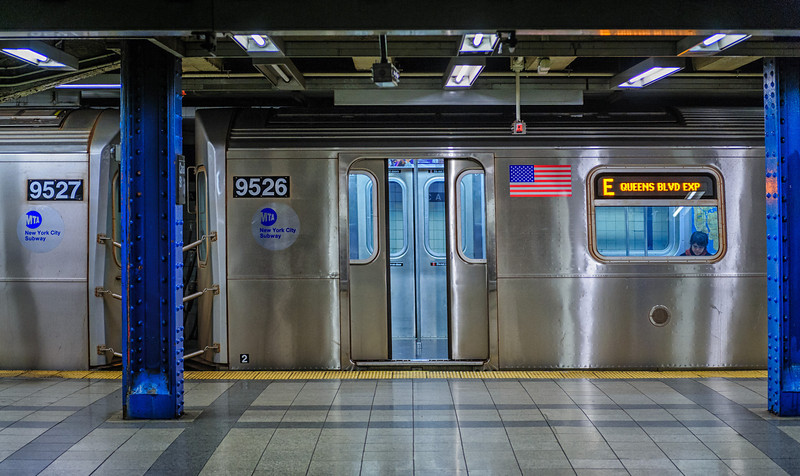 2012 Pic(k) of the week 46: Lonely New York subway