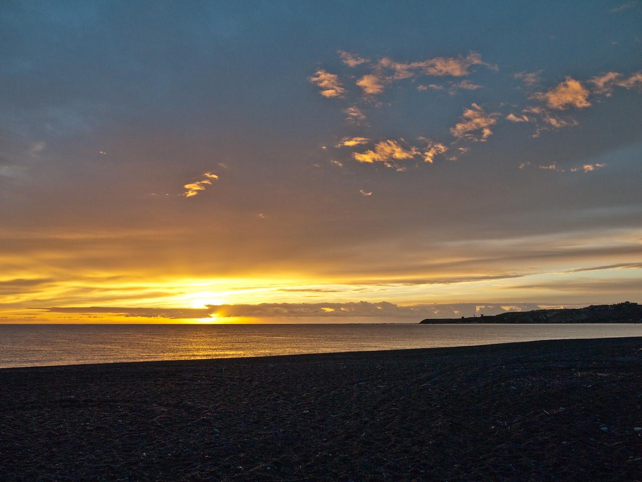Sunrise over the beach at Kaikoura