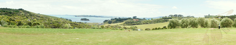 Cable Bay Sights (Lunch time at the winery looking back across the water toward Auckland)