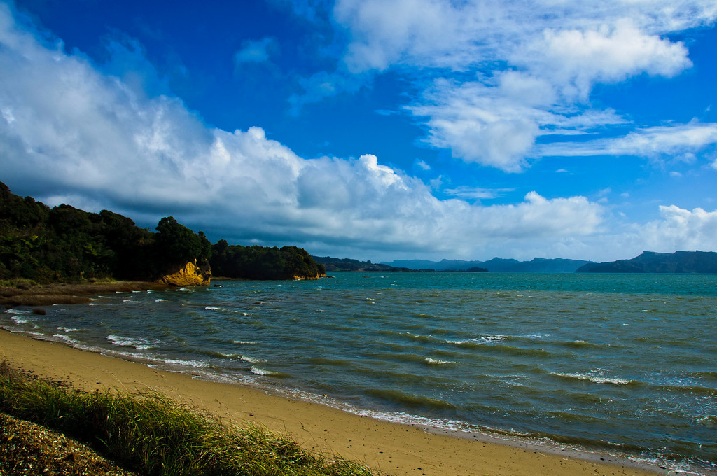 MANGARAKU BEACH, WEST COAST