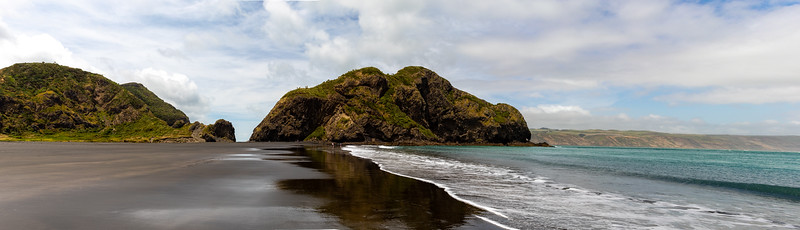 Whatipu Beach panorama