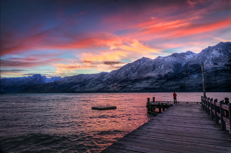 On my own. Having left the womb of the Queenstown Hilton, I rented a car and bravely drove here, to Glenorchy, in time for the sunset.