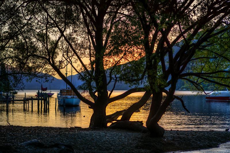 Close of a beautiful day, Queenstown beach, Lake Wakaputi